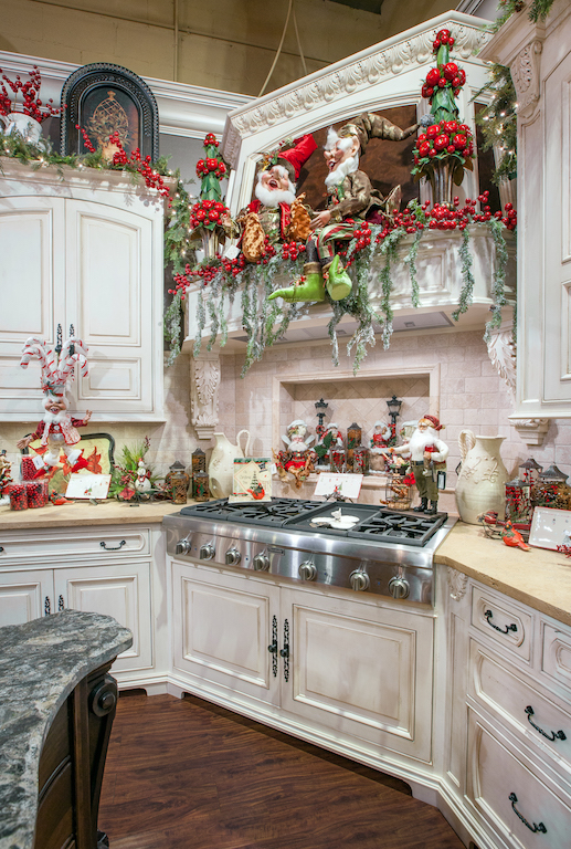 Linly-Designs-Luxury-Christmas-Decor-and-Decorating-6