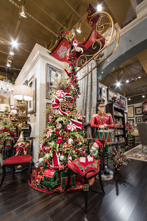 Linly-Designs-Luxury-Christmas-Decor-and-Decorating-7