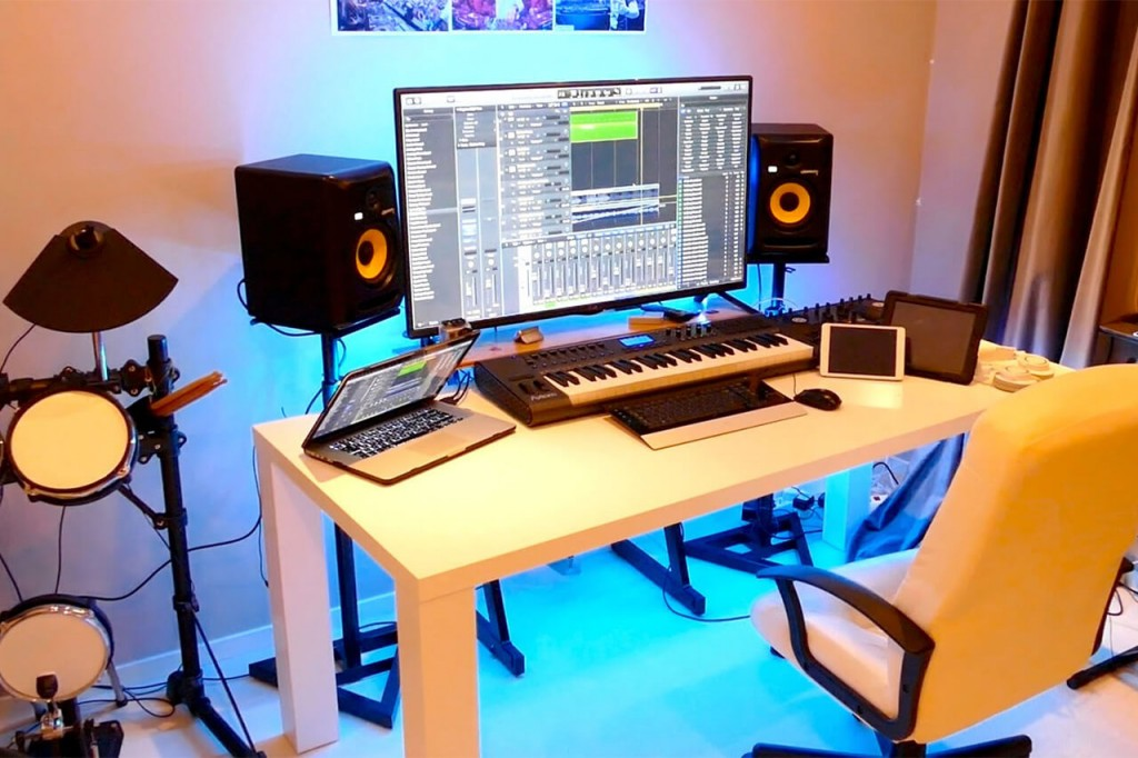 Picture of: How To Setup Your Home Recording Studio Like A Pro