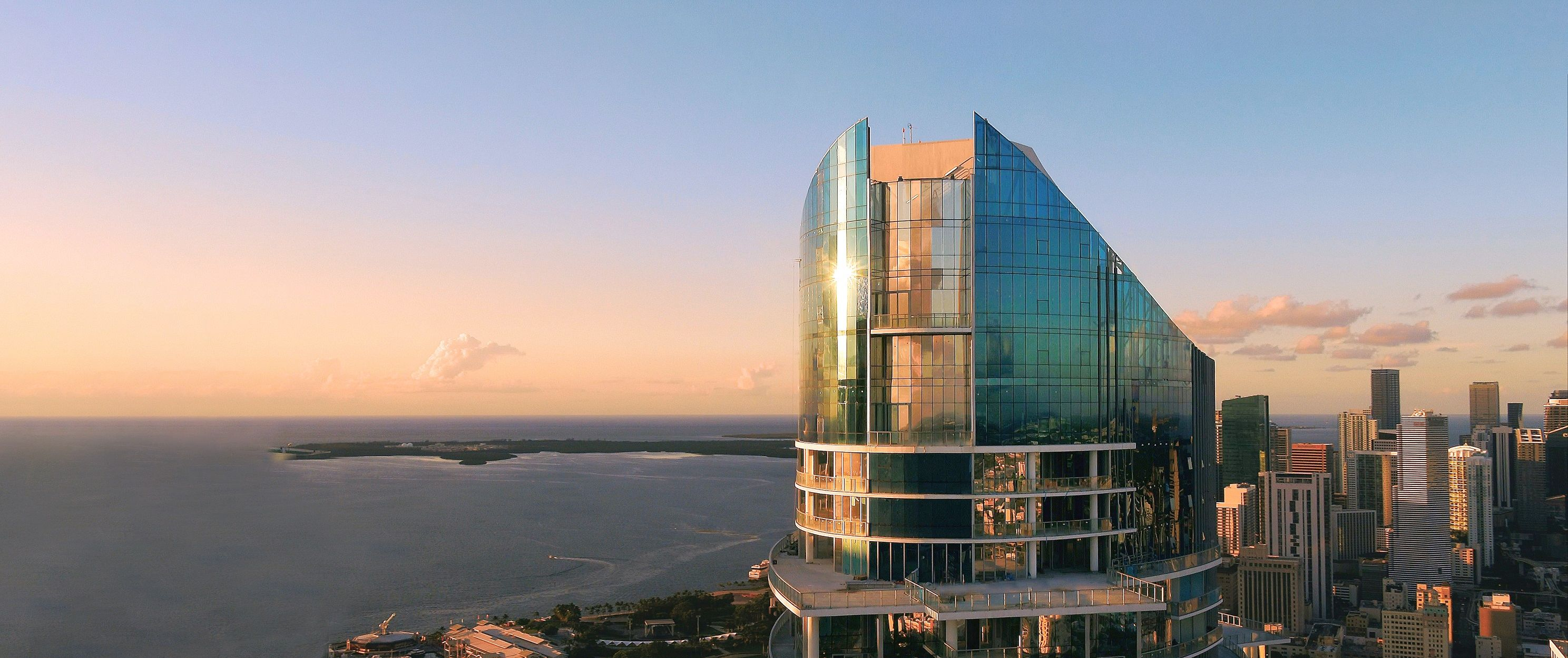 PARAMOUNT Miami Worldcenter - Nov 2020 1