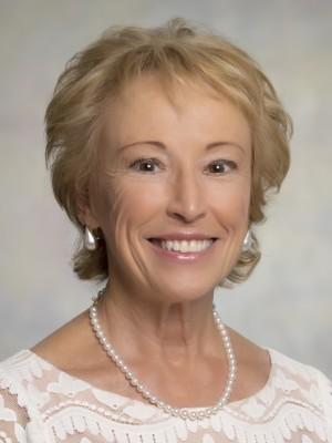 Barbara Bardach headshot