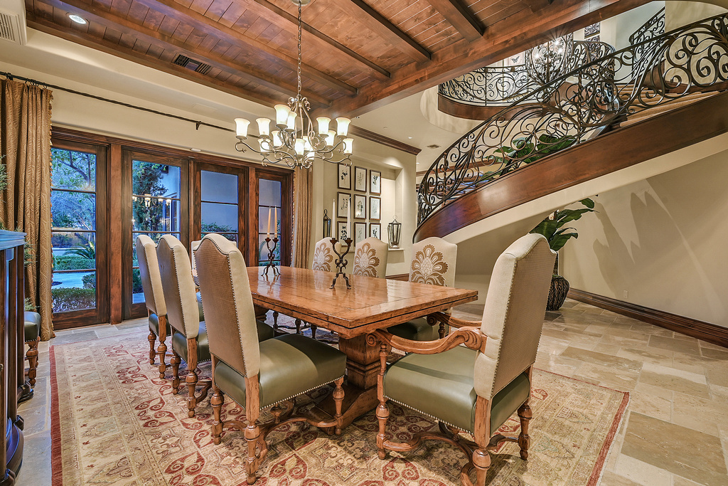 Darin Marques Formal Dining Room