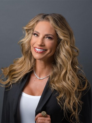 Jennifer Nicole Lee headshot