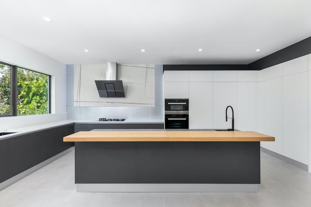 Casa 6695 Kitchen