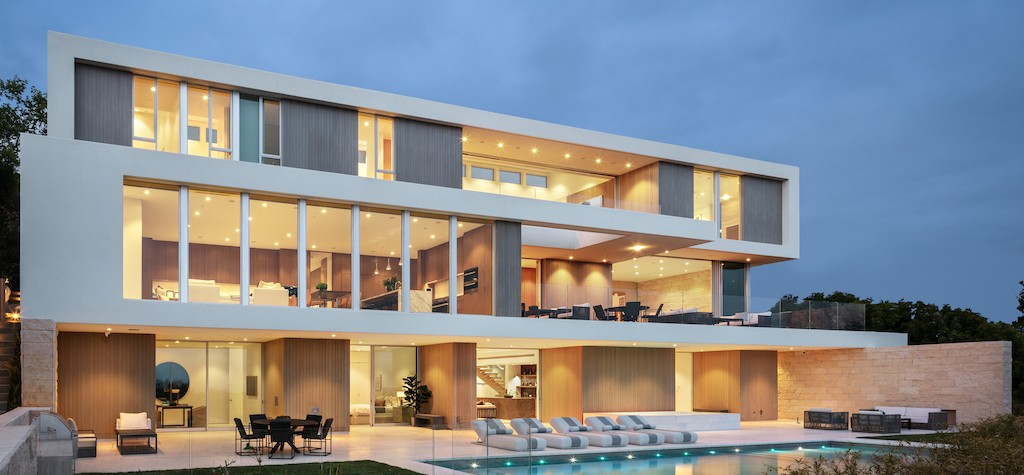 Exclusive Listing: A One-Of-A-Kind 3-Story Evolutionary Modernist House – Casale Modern
